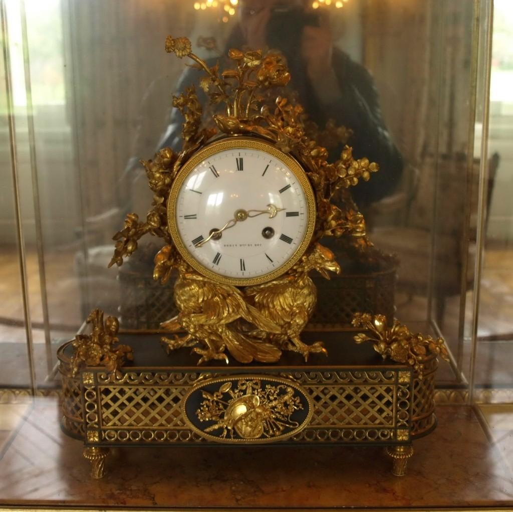 Trianon - La visite du Petit Trianon: La chambre de la Reine 14_oct72
