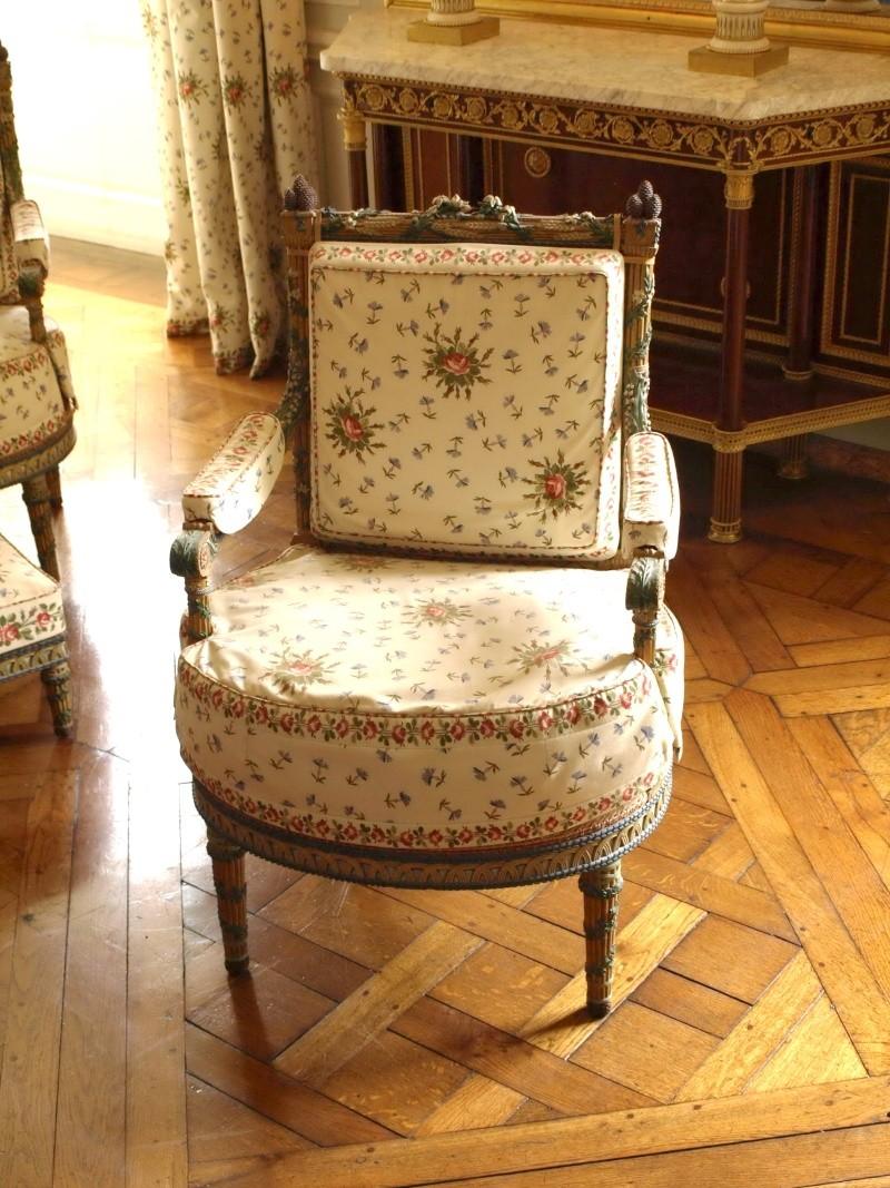 Trianon - La visite du Petit Trianon: La chambre de la Reine 14_oct80