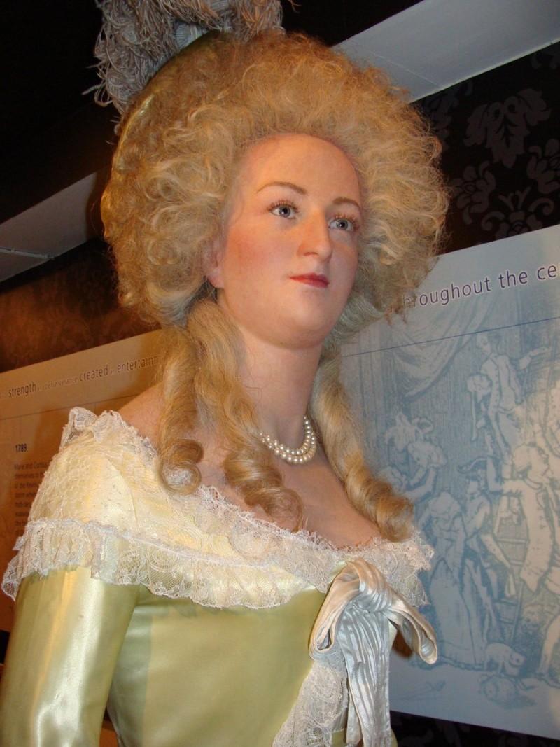 Marie Antoinette, chez Madame Tussaud Marie_10
