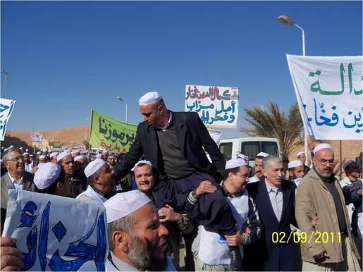 Violence et scènes de desolation entre communautés en Algerie Mimoun14