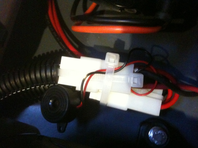 Astuce installation d'un buzzer sur pompe vide cale Buzzer10