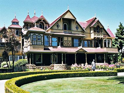L'extravagante maison Winchester Winche10