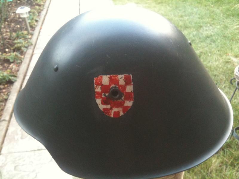 Casque allemand Mle 56/66 pour la Croatie ? _5717