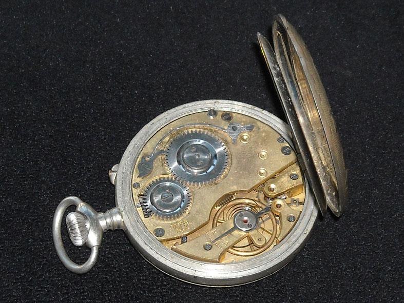 outillage - Un post qui référence les montres de brocante... tome II - Page 42 Cdfb10