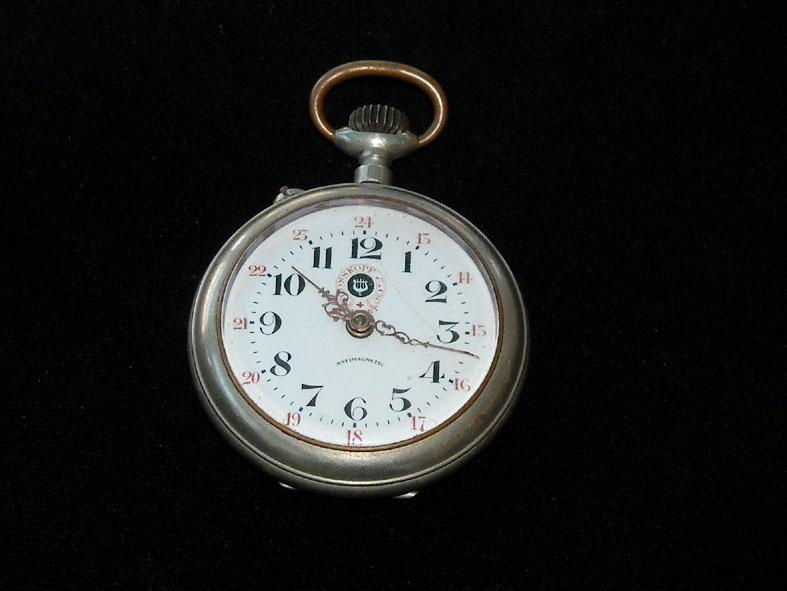 outillage - Un post qui référence les montres de brocante... tome II - Page 42 Rossko10