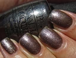 Quel vernis à ongles portez-vous aujourd'hui ? Opi_th10