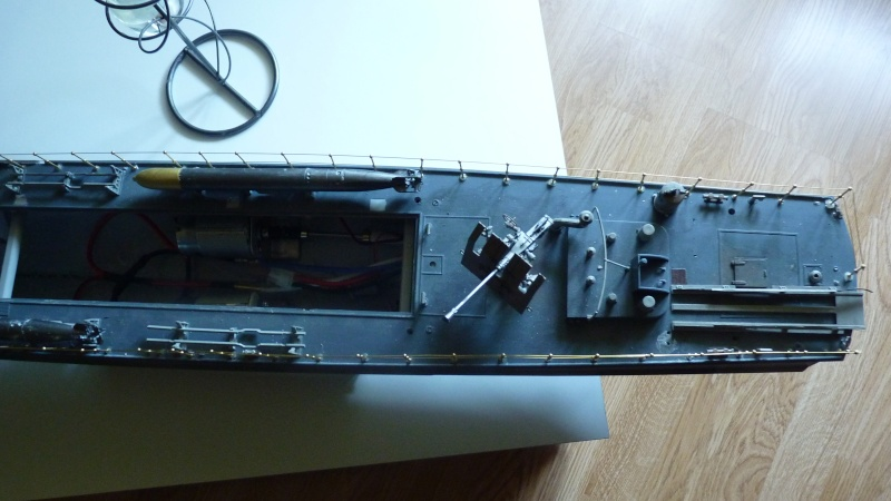 schnellboot s-100 ITALERI 1/35 transformable RC - Page 5 P1030210