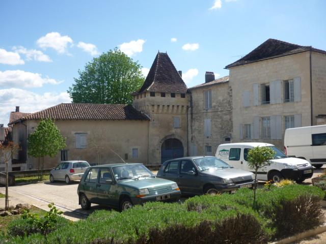 C.R Aubeterre sur Dronne en Charente Aubete51