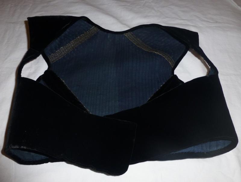 costume Glazik tout noir Costum11