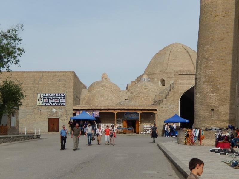 LE 27.04.2014 Passage de notre 15 ème frontière Bukhar12