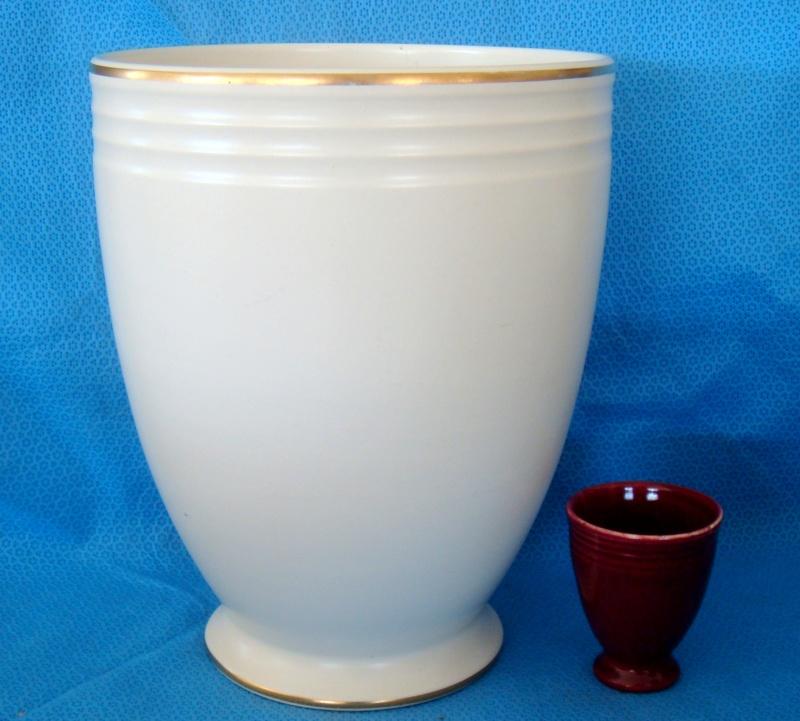 Unusually shaped little vase Dsc00217