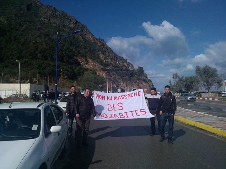 MOZABITES - Rassemblement de solidarité avec les mozabites à Aokas le mardi 11 fevrier 2014 (6) - Page 2 Mzab34