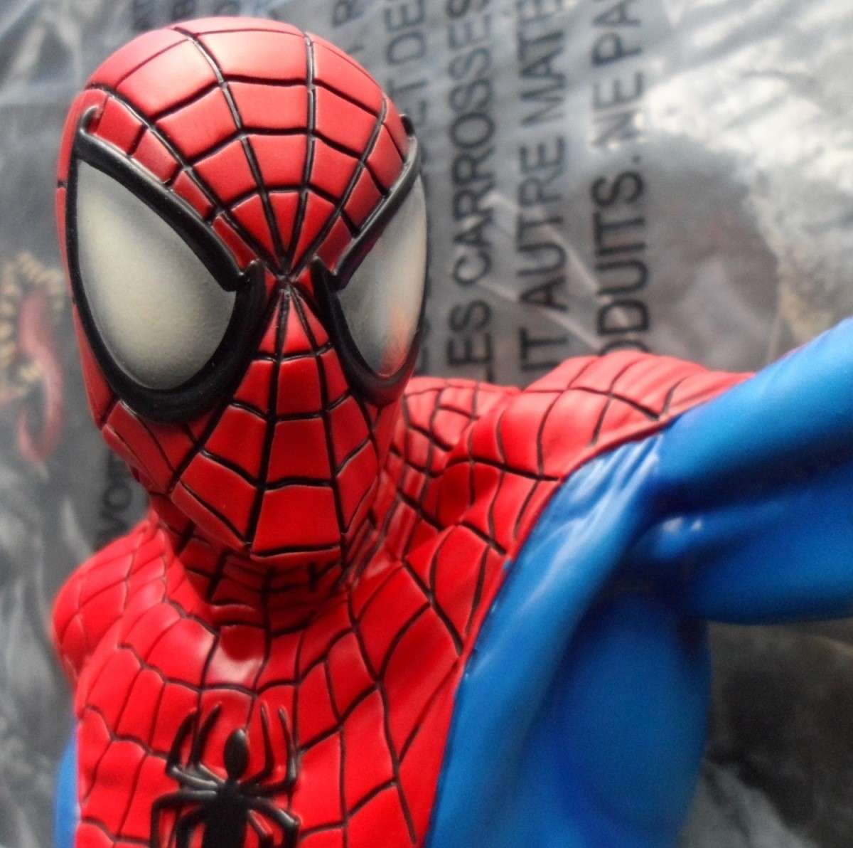 SPIDERMAN RED AND BLUE MINI BUST GENTLE GIANT Spider13