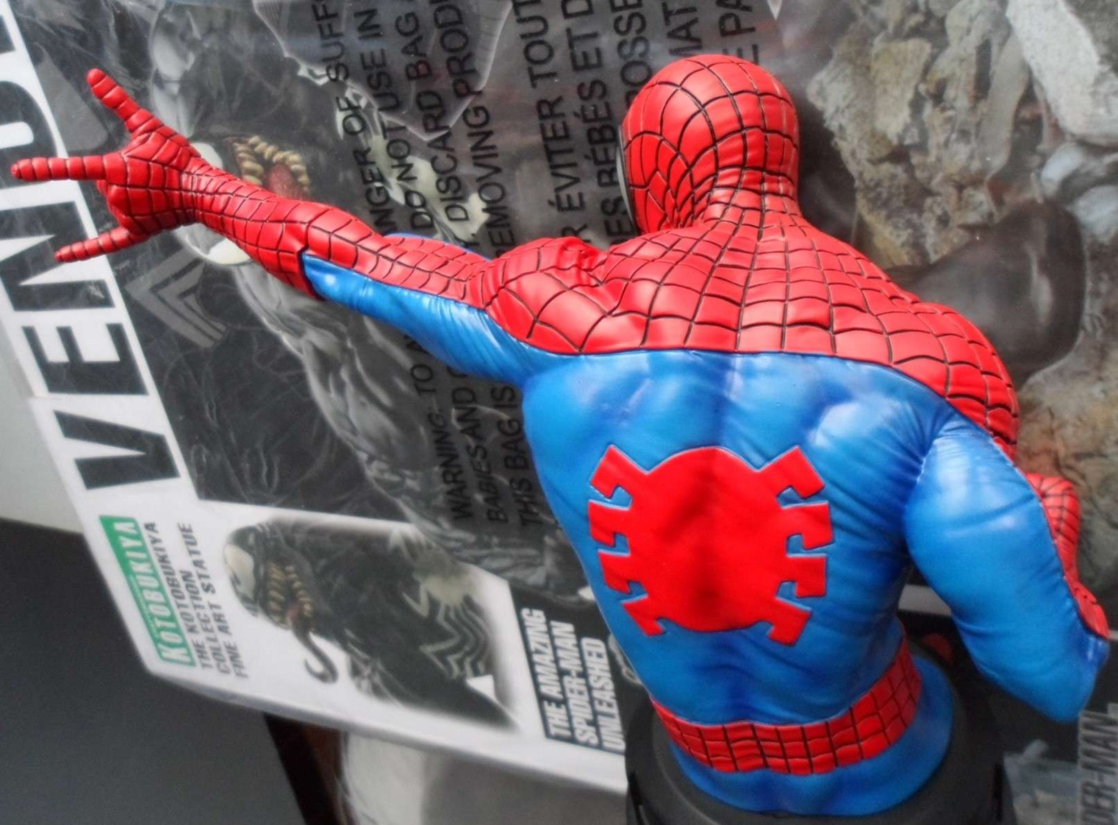 SPIDERMAN RED AND BLUE MINI BUST GENTLE GIANT Spider14