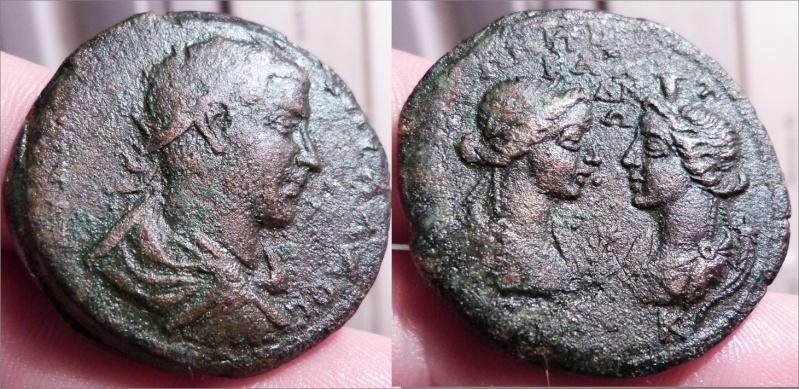 3 bronzes dont un médaillon pour Perynthe Treb10