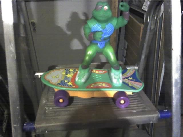 Tartaruga ninja con skateboard funzionante 14-11-25