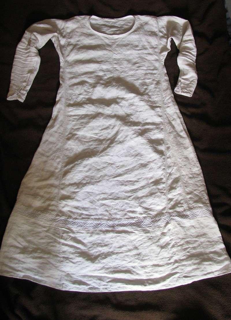 Essai de broderie XIIIe et récupération de chemise... Med0410