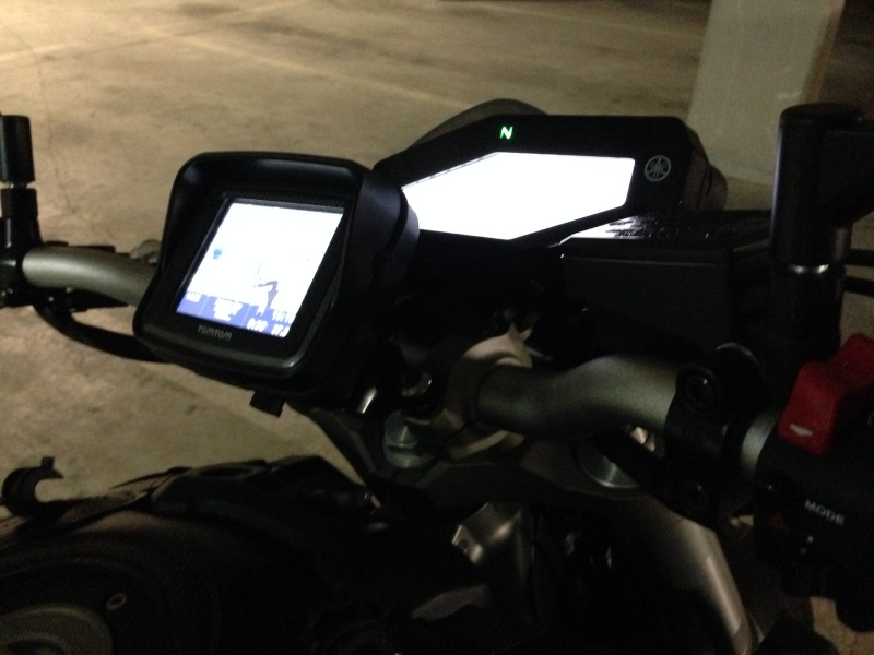 Support GPS Tomtom Rider / Fixation au compteur Photo_22
