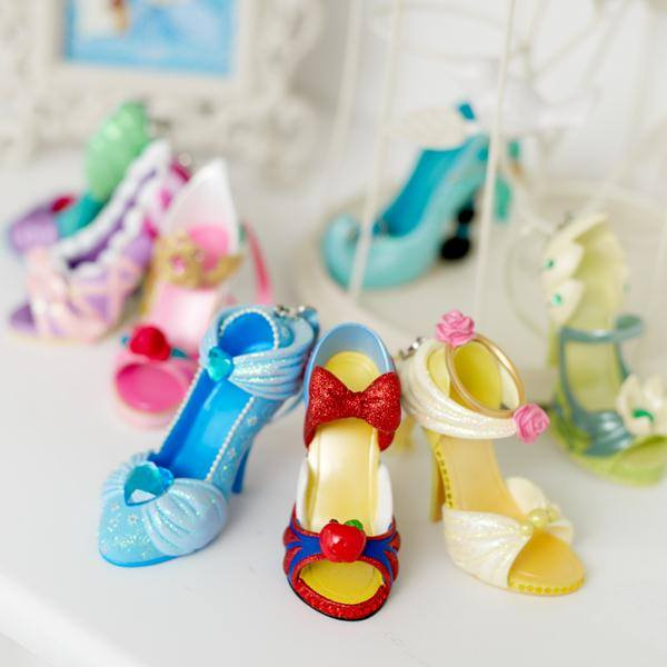 Chaussures miniatures disney (ornement) Shoes10