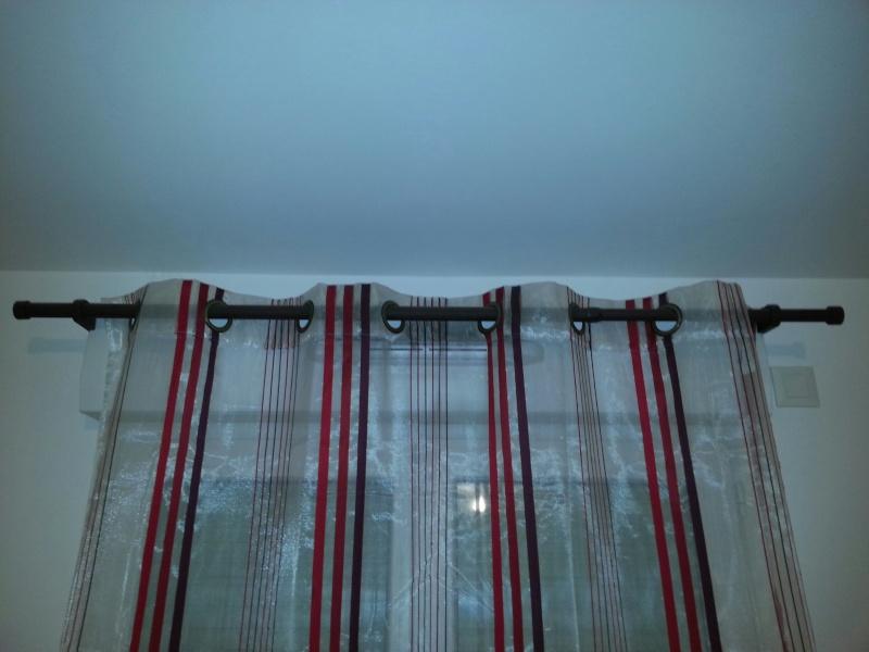 Vend tringles à rideaux sans perçage (spécial caisson volet roulant)