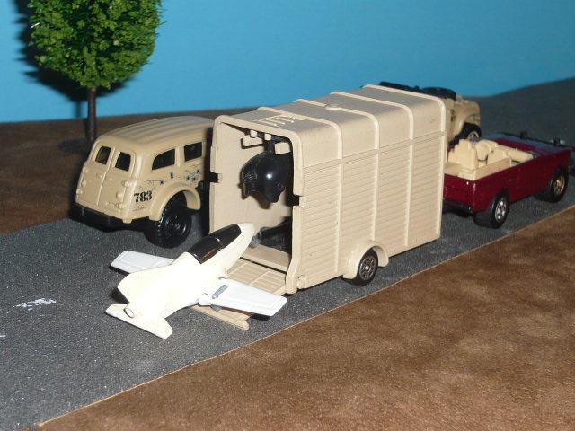"""Les """"petites voitures"""" à l'effigie des héros des années 80 - Page 3 P1440412"""