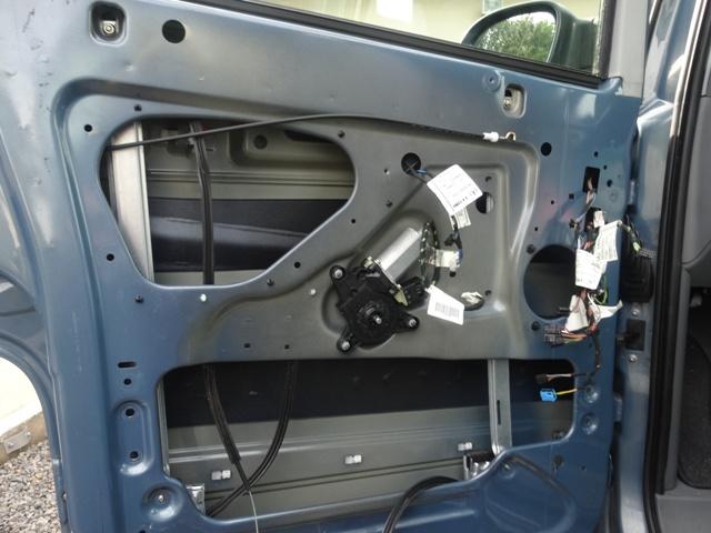 Remplacement mécanisme vitre avant gauche 2110