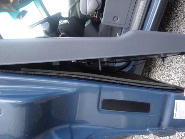Remplacement mécanisme vitre avant gauche 710