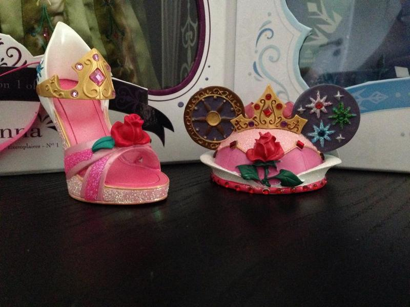 Chaussures miniatures disney (ornement) - Page 2 15263211