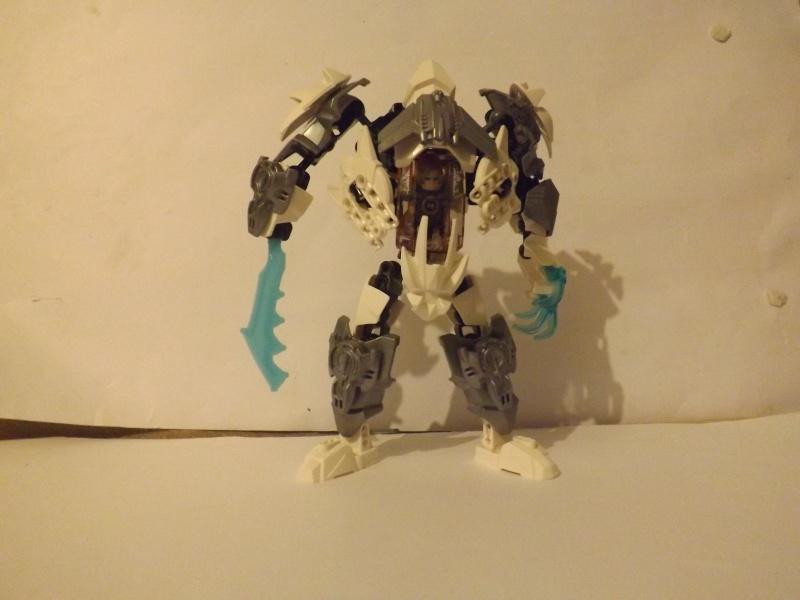 [MOC] Les mocs de Skrall789 (Nouveau Moc : MOCS BFGM : Akhatos - God of the Skull Spiders)  - Page 4 Dscf3510