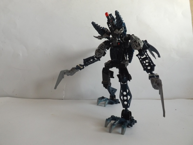 [MOC] Les mocs de Skrall789 (Nouveau Moc : MOCS BFGM : Akhatos - God of the Skull Spiders)  - Page 5 Dscf3543