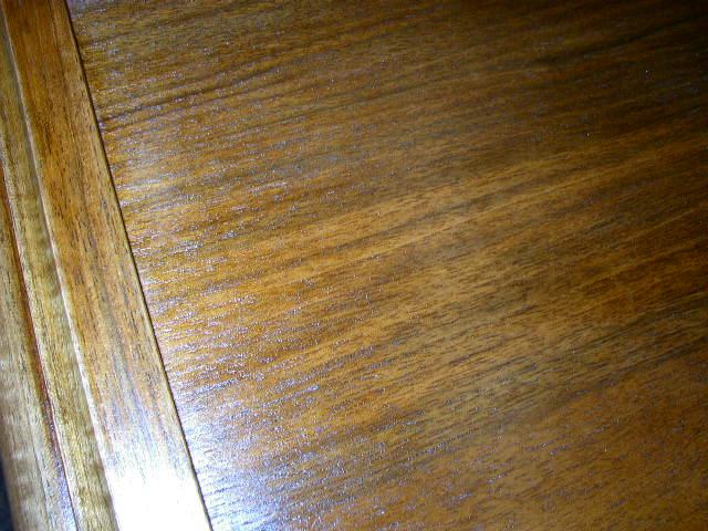 Bouche porage  sur placage noyer P5090013