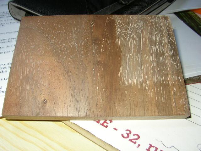 Bouche porage  sur placage noyer P5170010