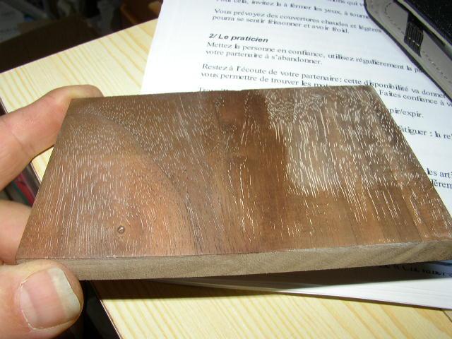 Bouche porage  sur placage noyer P5170011