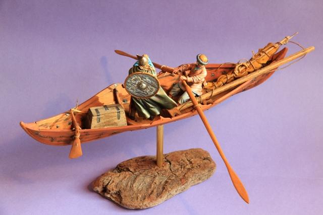 Ruderer im Wikingerbeiboot Beiboo12