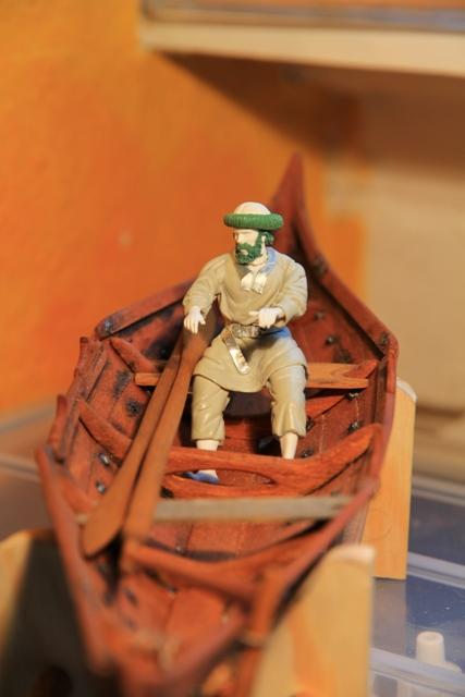 Ruderer im Wikingerbeiboot Rudere11