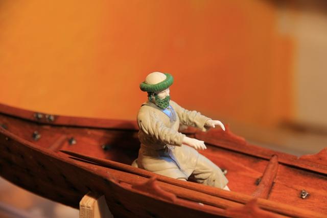 Ruderer im Wikingerbeiboot Rudere12