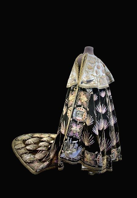 Splendeurs des sacres royaux  - Reims - Palais du Tau   Habit_10