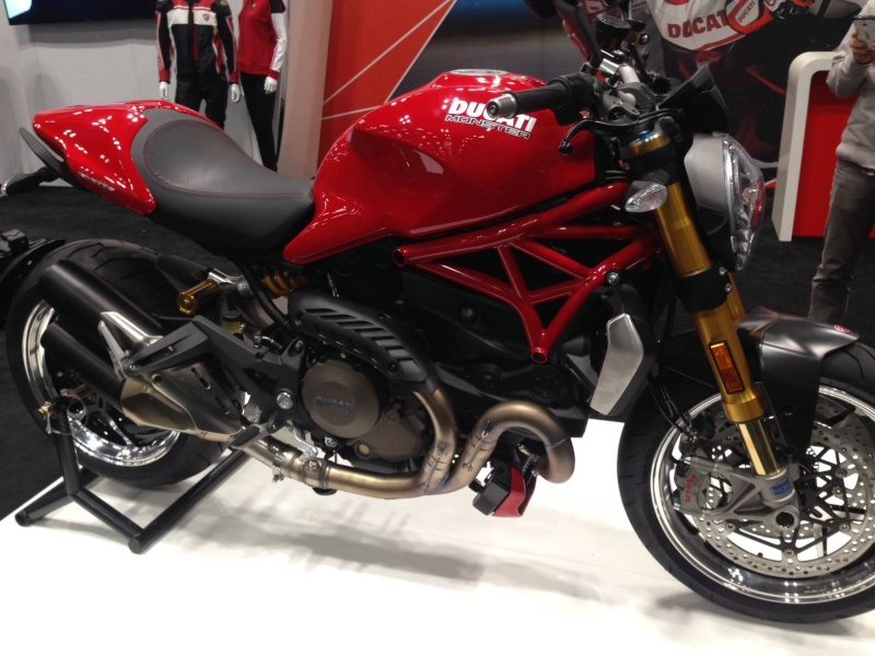 Nouveau New Monster 1198 Testa !!!! Monster 1200 - Page 17 Ducati11
