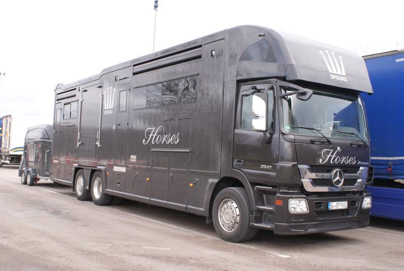 Transports de chevaux - Page 4 Dsc02121