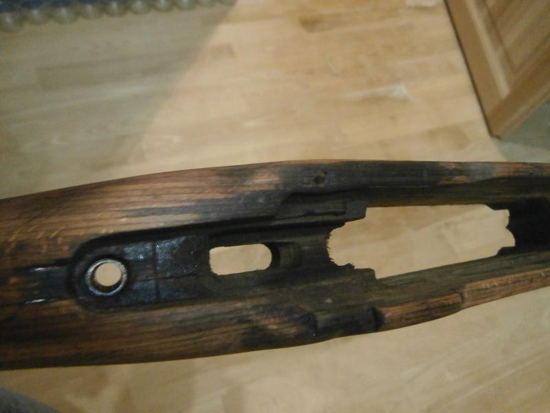 Crosse kar98 en lamellé-collé fissurée Pc170110