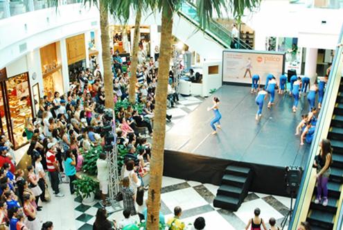 O Shopping Center do Litoral Alentejano e do Terminal Rodoviário em na cidade de Sines 19palc10