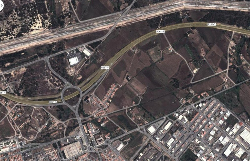 O Shopping Center do Litoral Alentejano e do Terminal Rodoviário em na cidade de Sines Local10