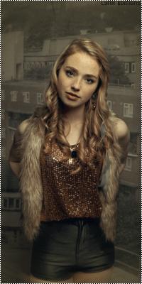 Freya Mavor  Sem_ta74