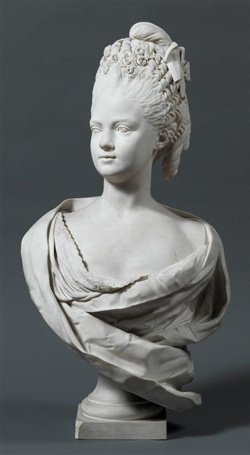 Buste de Mme Adélaïde, de Mme Clotilde, ou d'une inconnue (mais non pas de Marie-Antoinette) par Vavasseur ?  08-54711
