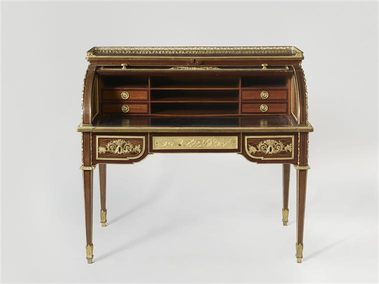 Tuileries - Le mobilier de Marie-Antoinette aux Tuileries - Page 2 10-53812