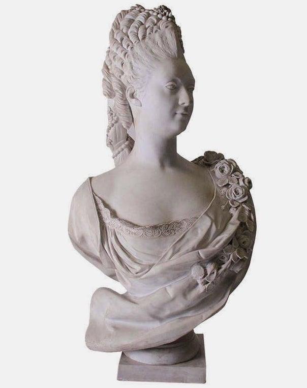 Buste de Mme Adélaïde, de Mme Clotilde, ou d'une inconnue (mais non pas de Marie-Antoinette) par Vavasseur ?  10000310