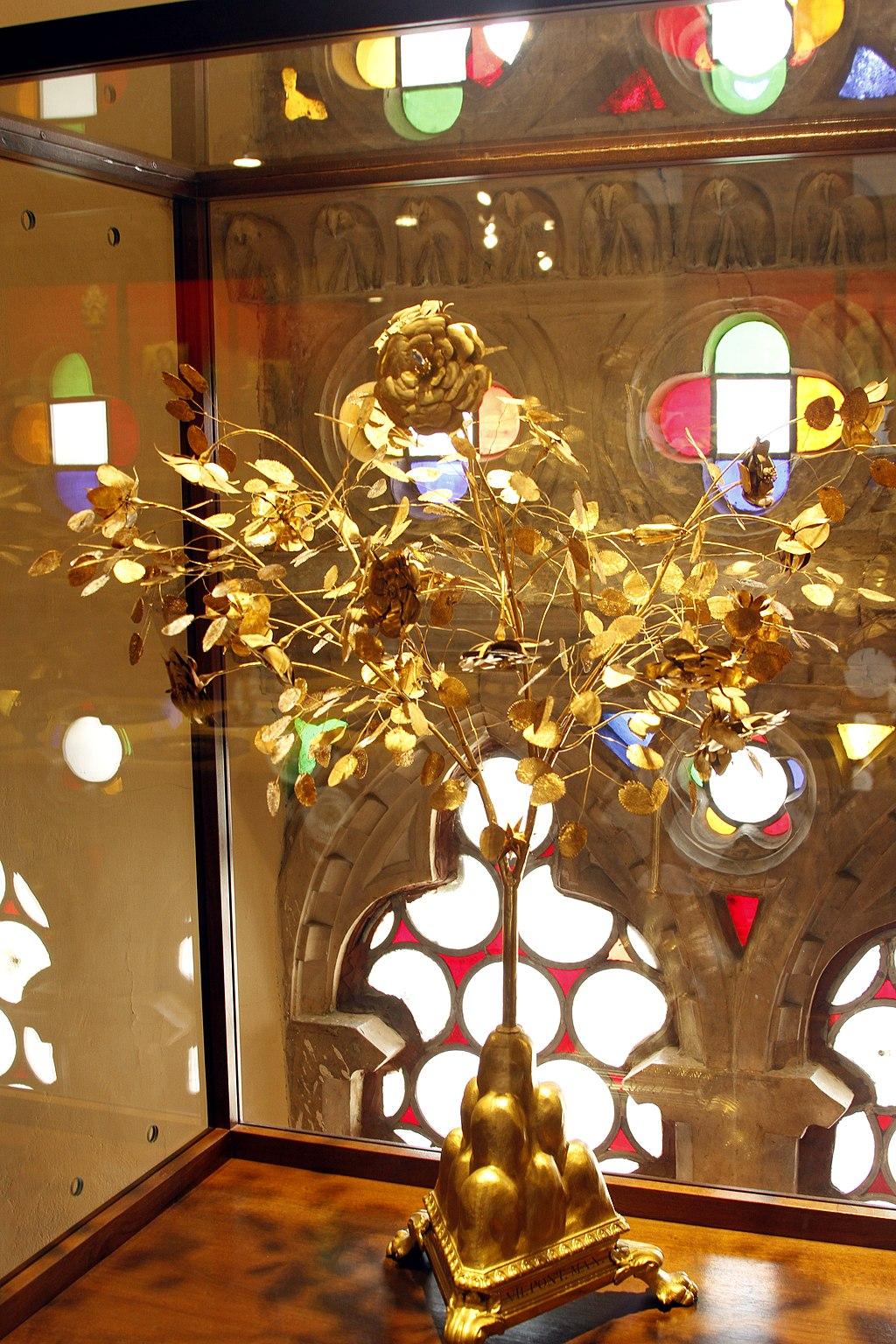 Les Roses d'or ou Roses bénites. L'exemplaire offert par le pape Clément XIV à la reine Marie-Caroline de Naples 1024px29