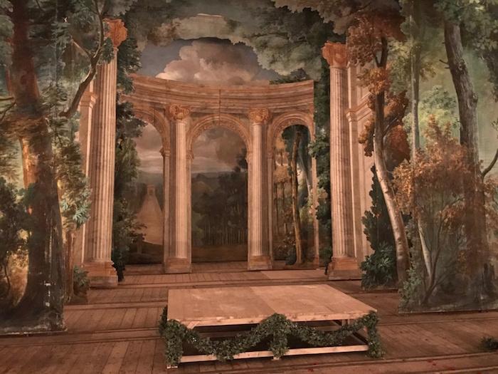 Le Petit Théâtre de Marie-Antoinette à Trianon - Page 4 121010