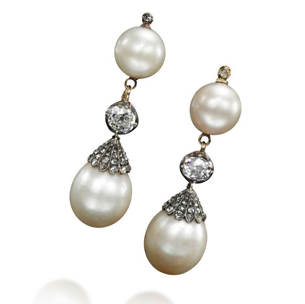 Bijoux de Marie-Antoinette : perles et diamants des Bourbon-Parme - Page 3 12146411