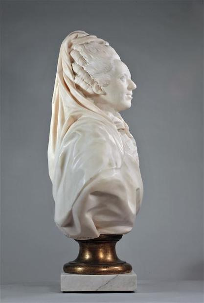Buste de Mme Adélaïde, de Mme Clotilde, ou d'une inconnue (mais non pas de Marie-Antoinette) par Vavasseur ?  13-53911